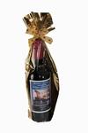 Klein flesje rode wijn met logo en wens etiket